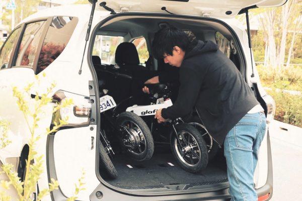 glafitバイク トランクに積み込み