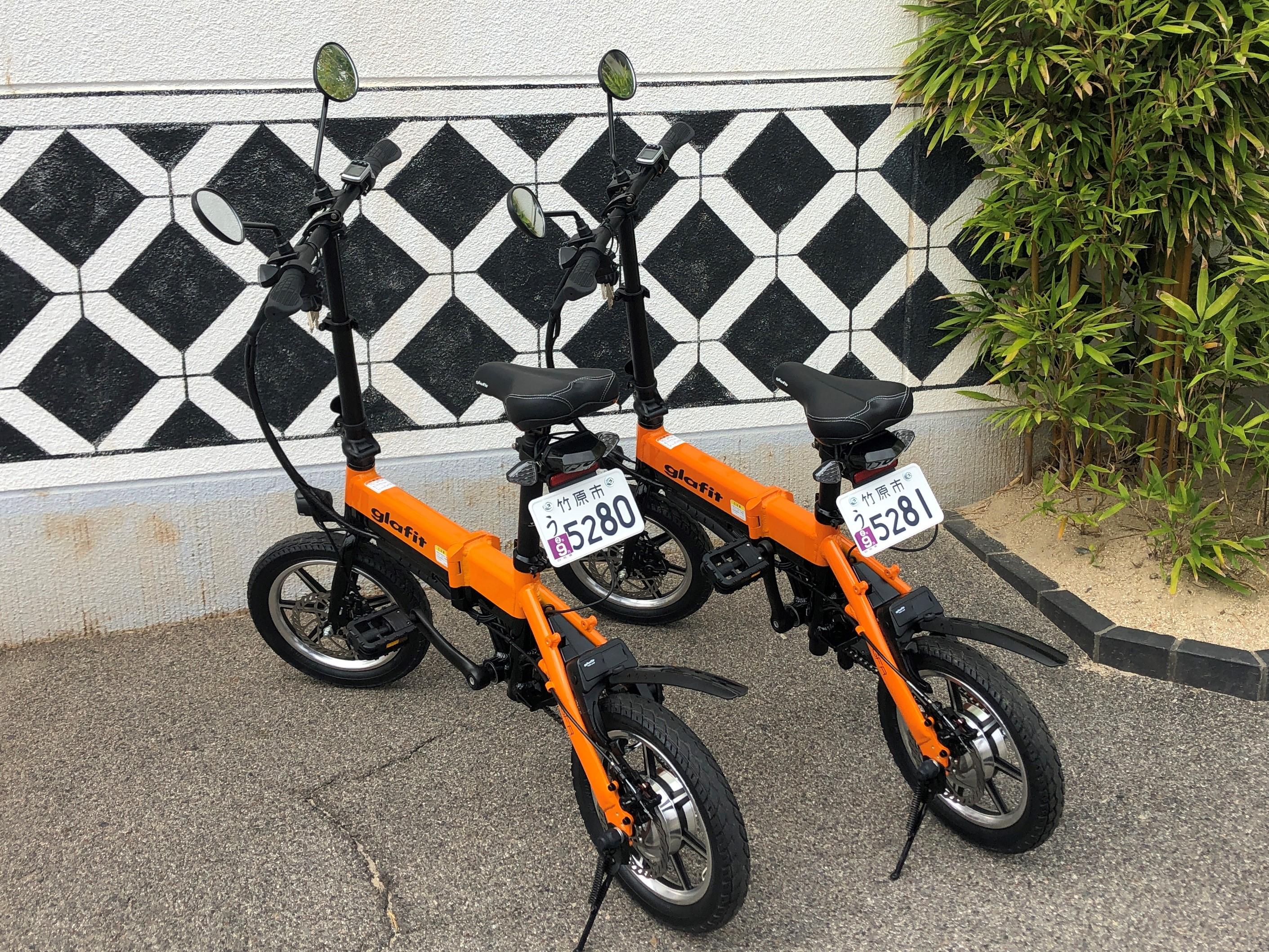 ミカンオレンジのglafitバイクで目立つこと間違いなし!